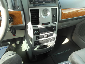 2008 Chrysler Town & Country Limited New Windsor, New York 17