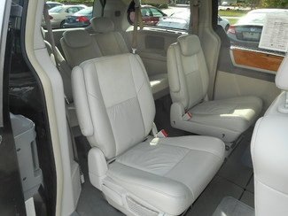 2008 Chrysler Town & Country Limited New Windsor, New York 22