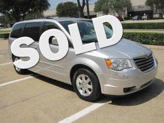 2008 Chrysler Town & Country Touring, Leather, Quads, pwr/doors/liftgate, Low Miles Plano, Texas