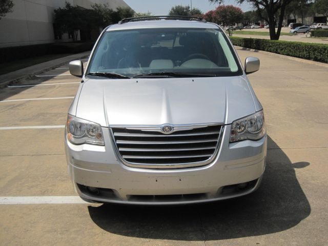 2008 Chrysler Town & Country Touring, Leather, Quads, pwr/doors/liftgate, Low Miles Plano, Texas 2