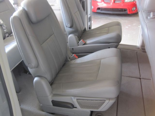 2008 Chrysler Town & Country Touring, Leather, Quads, pwr/doors/liftgate, Low Miles Plano, Texas 14