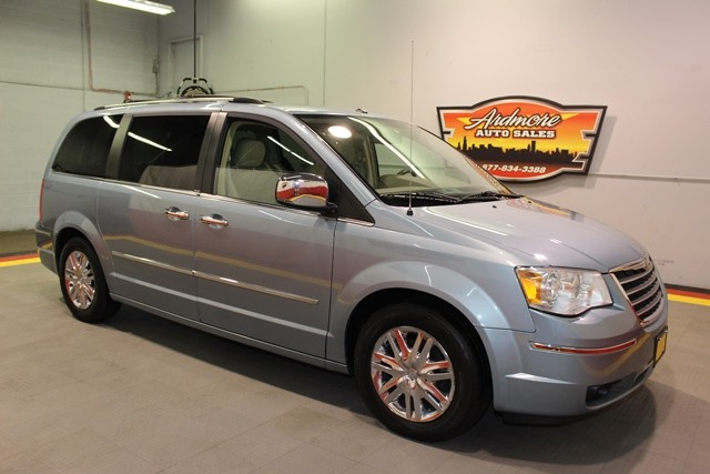 2008 Chrysler Town  Country Limited  city Illinois  Ardmore Auto Sales  in West Chicago, Illinois