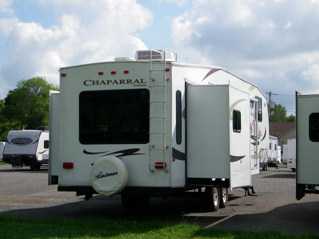 2008 Coachmen Chapparel 331RLTS  city NY  Barrys Auto Center  in Brockport, NY