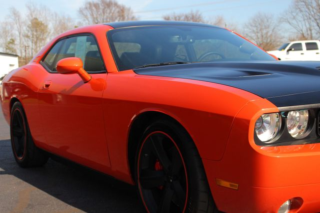 2008 Dodge Challenger SRT8 - SUPERCHARGED - NAV - SUNROOF! Mooresville , NC 31