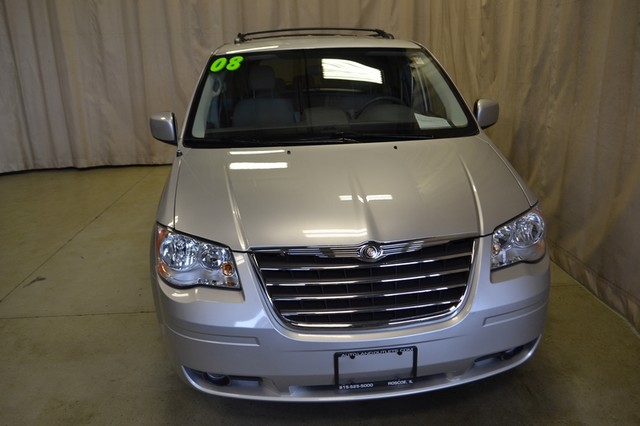 2008 Chrysler Town & Country Touring Roscoe, Illinois 2