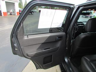 2008 Ford Escape Limited Fremont, Ohio 10