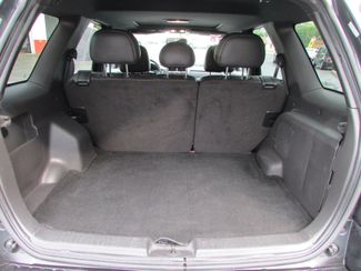 2008 Ford Escape Limited Fremont, Ohio 12
