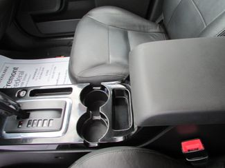 2008 Ford Escape Limited Fremont, Ohio 9