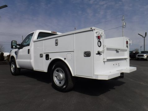 2008 Ford F350 New Altec Utility Bed 2wd 6.8L V10  in Ephrata, PA