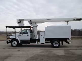 2008 Ford F750 XL SD Chipper Dump with Bucket, 60', Auto ., . 3