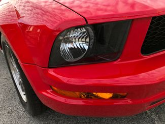 2008 Ford Mustang Deluxe Knoxville , Tennessee 4