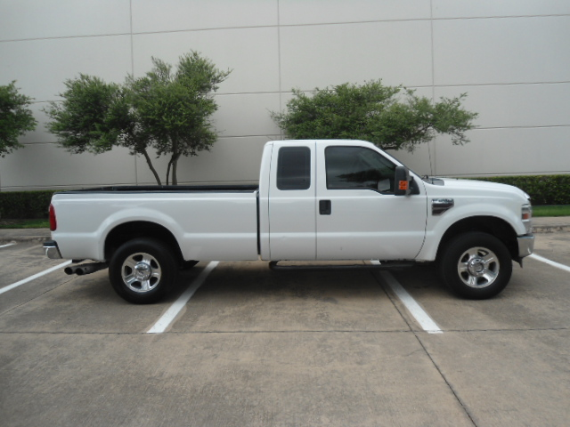 2008 Ford Super Duty F-250 SRW XLT Diesel 4X4 Plano, Texas 1