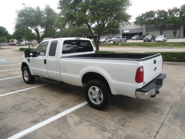 2008 Ford Super Duty F-250 SRW XLT Diesel 4X4 Plano, Texas 10