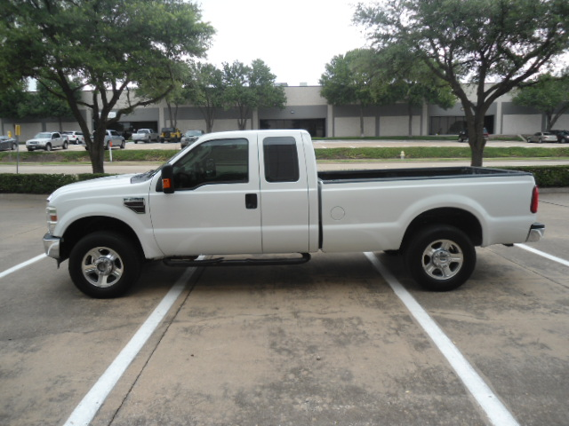 2008 Ford Super Duty F-250 SRW XLT Diesel 4X4 Plano, Texas 9