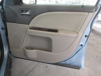 2008 Ford Taurus SEL Gardena, California 12