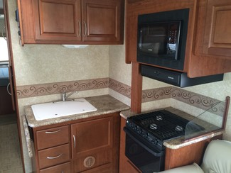 2009 For Rent-31' Chateau Class C w/ 2 Slide outs Katy, Texas 8