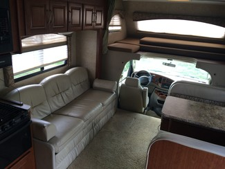 2009 For Rent-31' Chateau Class C w/ 2 Slide outs Katy, Texas 9