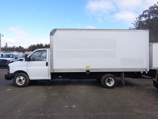 2008 GMC 3500 16FT Cube Van Hoosick Falls, New York
