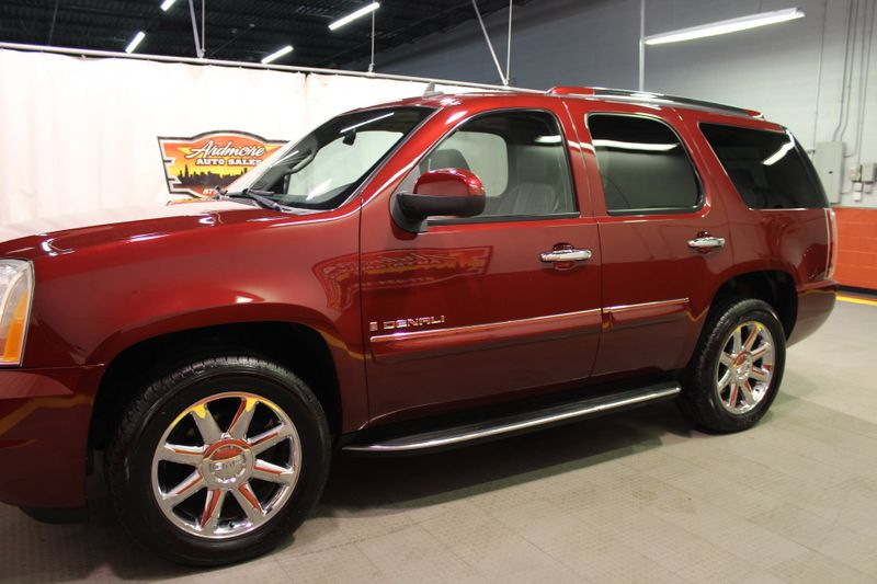 2008 GMC Yukon Denali   city Illinois  Ardmore Auto Sales  in West Chicago, Illinois