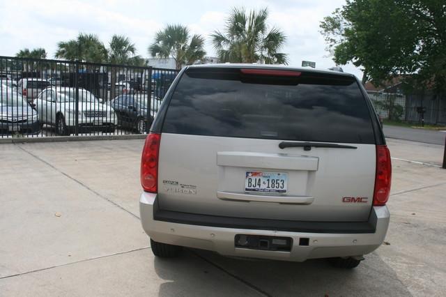 2008 GMC Yukon SLT w/4SA Houston, Texas 3