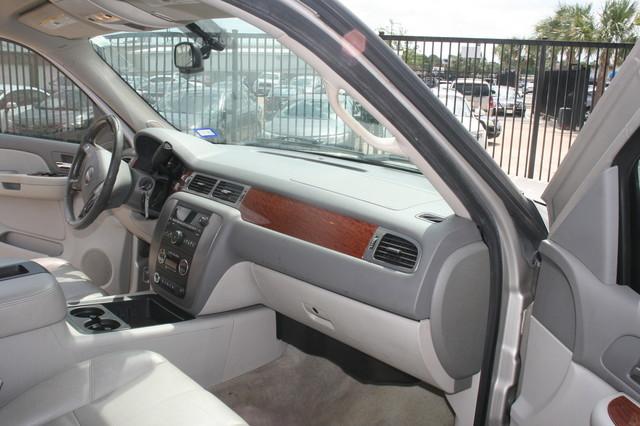 2008 GMC Yukon SLT w/4SA Houston, Texas 9