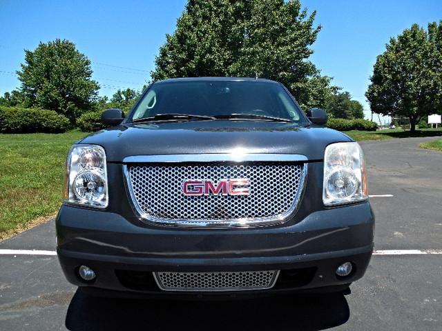 2008 GMC Yukon XL Denali Leesburg, Virginia 5