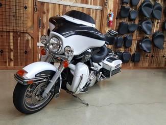 2008 Harley Davidson Electra Glide Ultra Classic FLHTCU Anaheim, California 4
