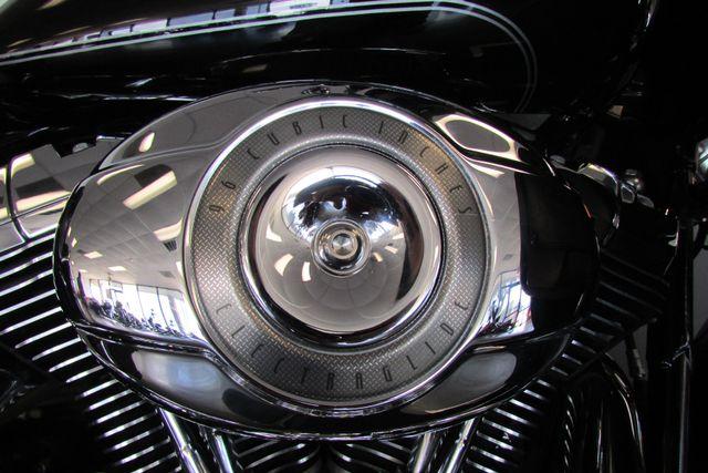 2008 Harley-Davidson Electra Glide® Ultra Classic® Arlington, Texas 17