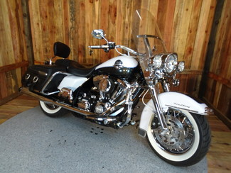 2008 Harley-Davidson Road King® Classic FLHRC Anaheim, California 13