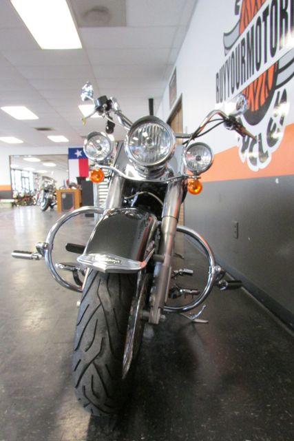2008 Harley-Davidson Softail® Deluxe Arlington, Texas 3