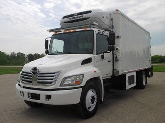 2008 Hino 338 Reefer, 20' Box, Thermo King T600, Liftgate ., .