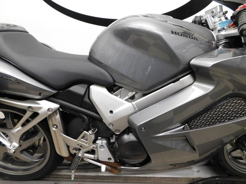 2008 Honda Interceptor VFR800  in Eden Prairie, Minnesota