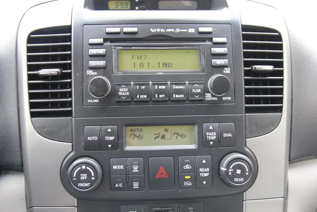 2008 Hyundai Entourage GLS Santa Clarita, CA 19