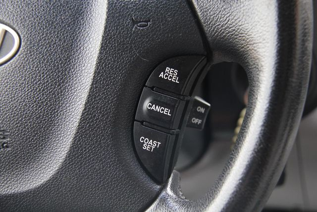 2008 Hyundai Entourage GLS Santa Clarita, CA 21