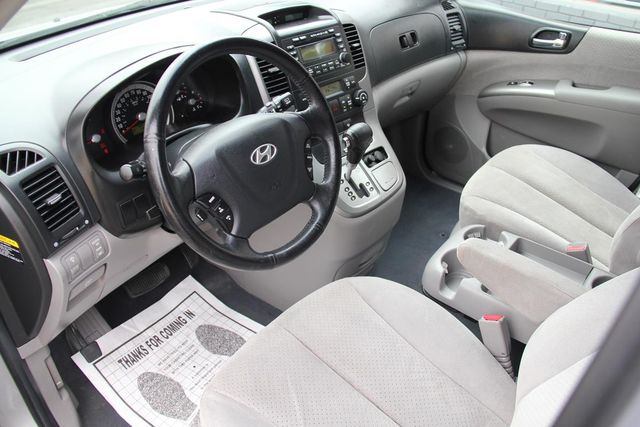 2008 Hyundai Entourage GLS Santa Clarita, CA 8