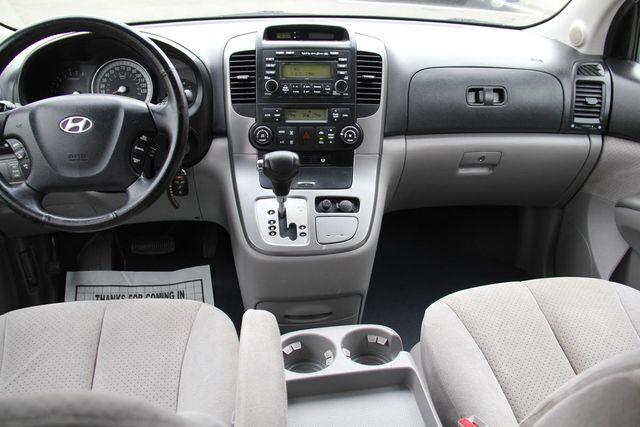 2008 Hyundai Entourage GLS Santa Clarita, CA 7