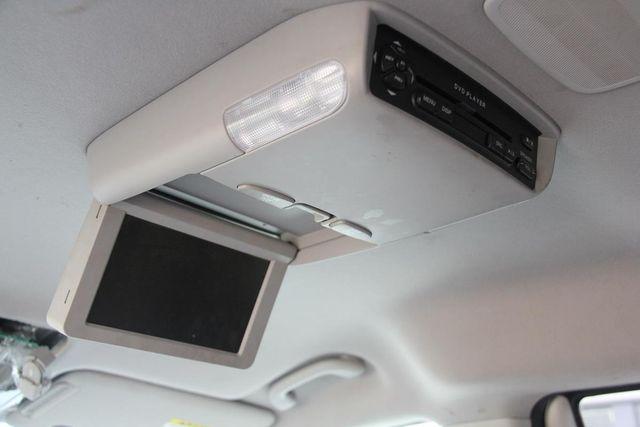 2008 Hyundai Entourage GLS Santa Clarita, CA 23