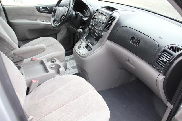 2008 Hyundai Entourage GLS Santa Clarita, CA 9