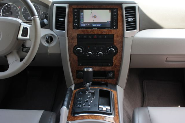 2008 Jeep Grand Cherokee Limited - Sunroof- Nav Mooresville , NC 21