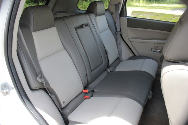 2008 Jeep Grand Cherokee Limited - Sunroof- Nav Mooresville , NC 27