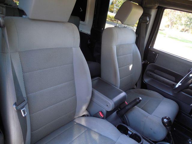 2008 Jeep Wrangler Unlimited Sahara Lifted/W Winch Leesburg, Virginia 38