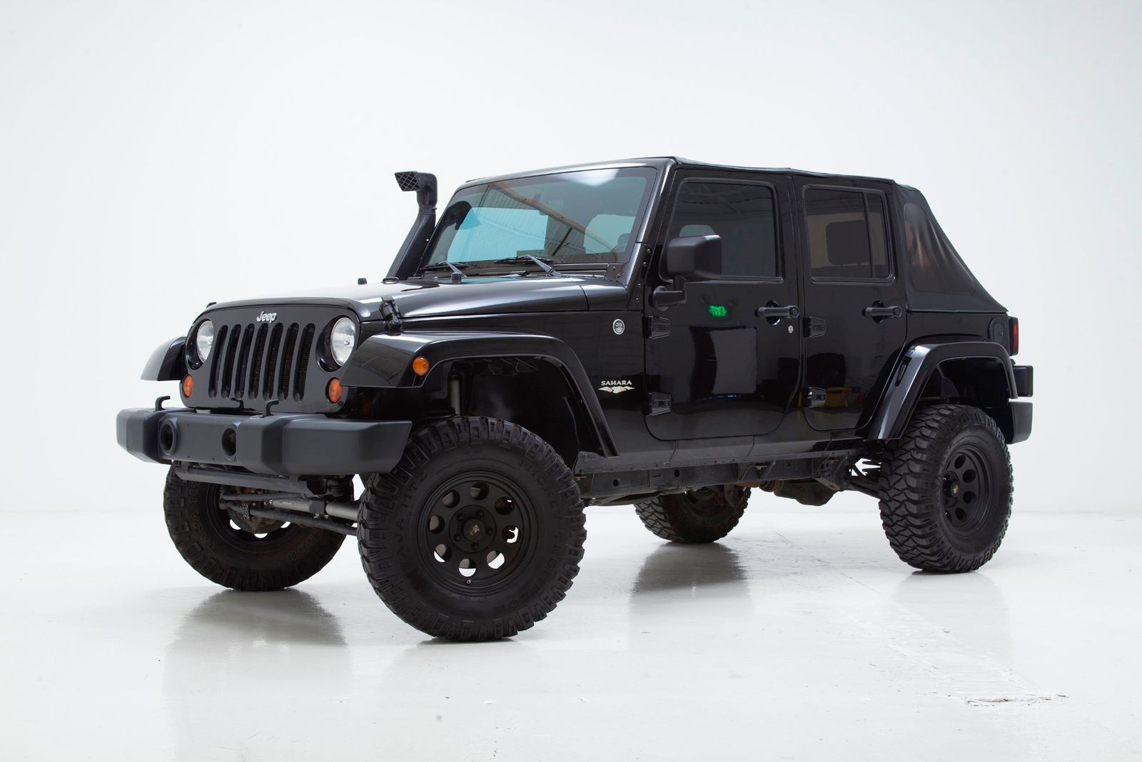 2008 jeep wrangler unlimited sahara lifted with many upgrades