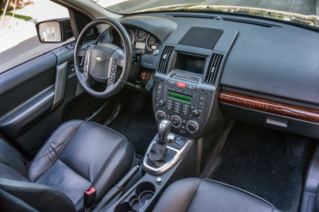 2008 Land Rover LR2 SE 4WD - AUTO - 91K MILES - HTD STS Reseda, CA 30