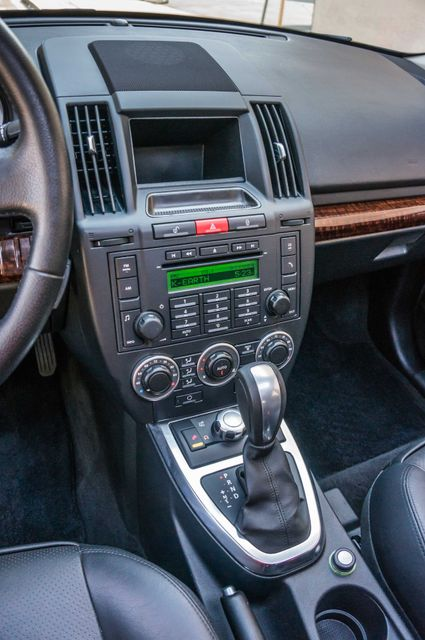 2008 Land Rover LR2 SE 4WD - AUTO - 91K MILES - HTD STS Reseda, CA 21