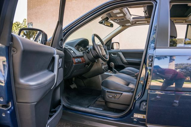 2008 Land Rover LR2 SE 4WD - AUTO - 91K MILES - HTD STS Reseda, CA 13