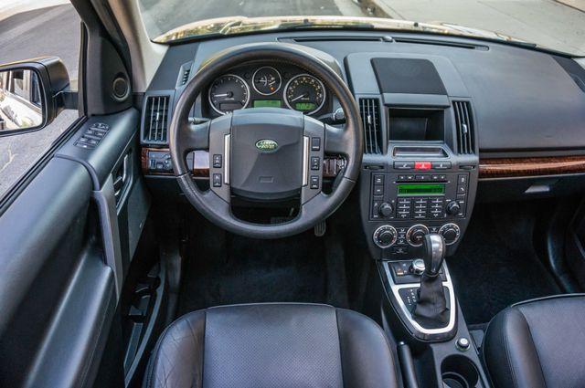 2008 Land Rover LR2 SE 4WD - AUTO - 91K MILES - HTD STS Reseda, CA 18