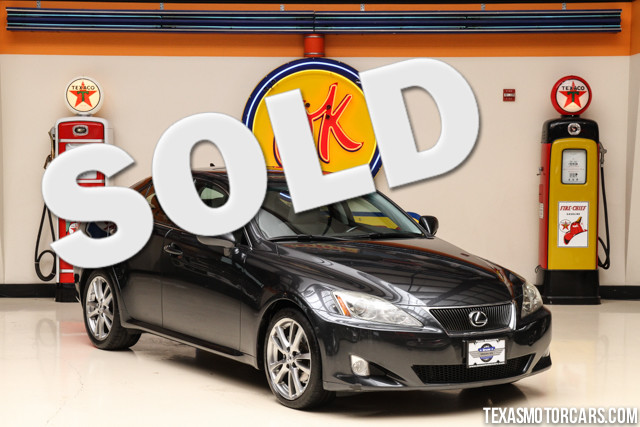 2008 Lexus IS 250 This Clean Carfax accident-free 2008 IS 250 is in great shape with only 69 080