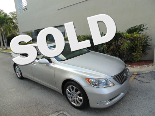 2008 Lexus LS 460 LWB This 2008 LEXUS LS460L is a non smoker Florida car and is CARFAX certified