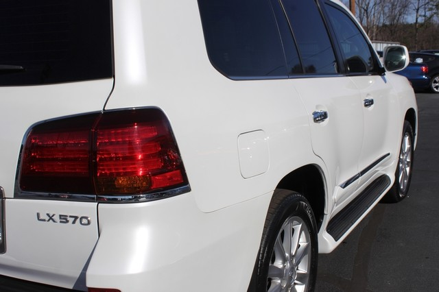 2008 Lexus LX 570 4WD - TECH PKG - REAR DVD - HEATED/COOLED LEATHER! Mooresville , NC 31