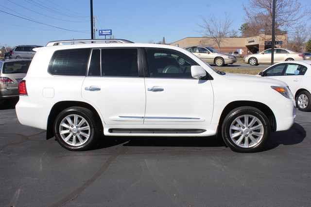 2008 Lexus LX 570 4WD - TECH PKG - REAR DVD - HEATED/COOLED LEATHER! Mooresville , NC 14